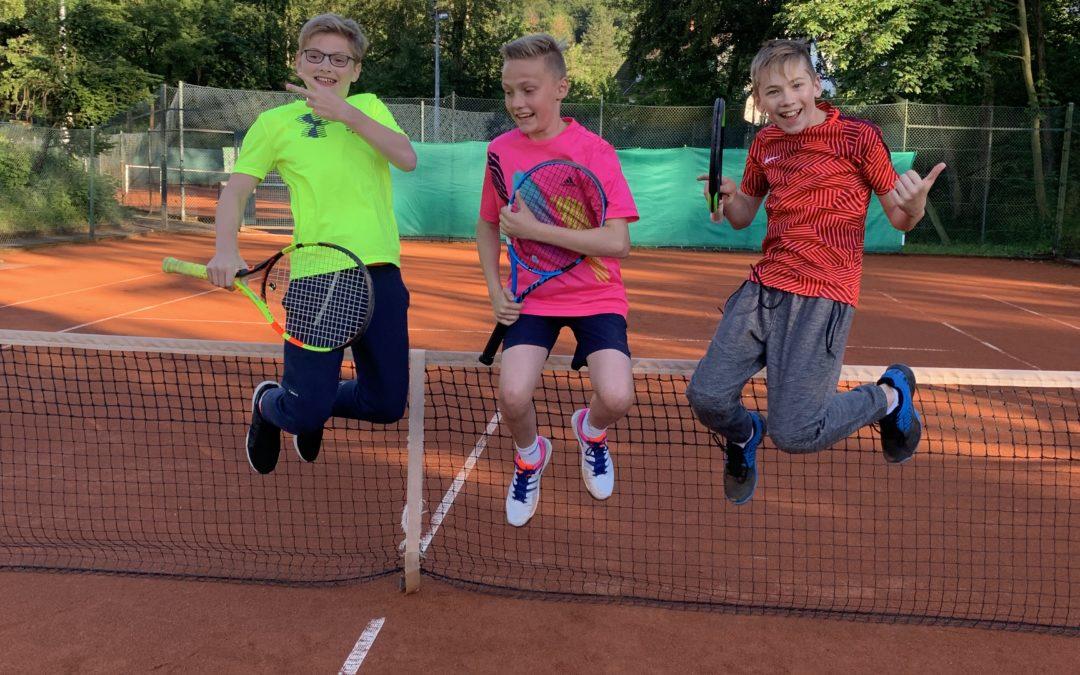 B-Junioren und Midcourt-Team des TC Seesen erringen Staffelsiege